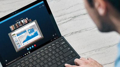 Skype for Business pe un laptop
