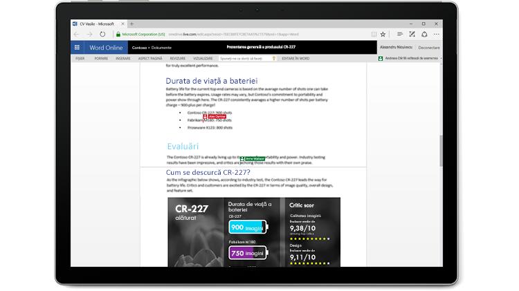 Un ecran de laptop afișând un document Word cu mai mulți autori care editează în Word Online