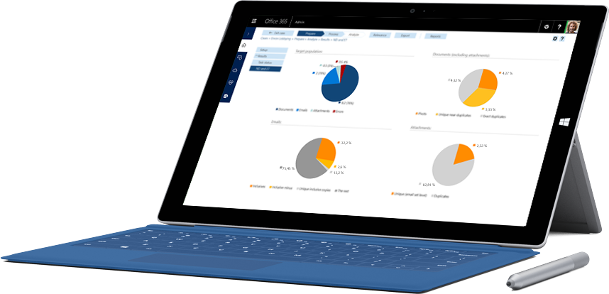 Планшет Surface, на экране которого показаны функции отчетности из пакета решений Office365 для обеспечения соответствия требованиям.