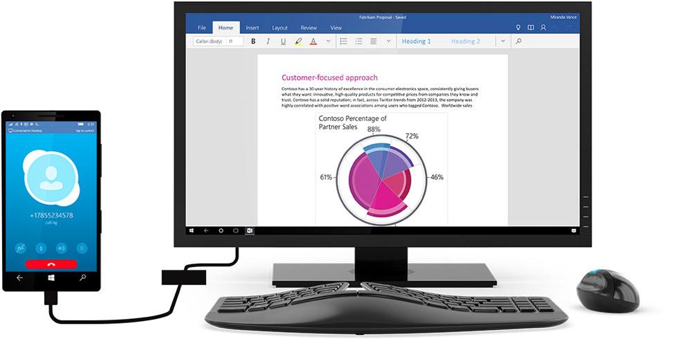 Телефон с Windows 10, подключенный к компьютеру с Windows