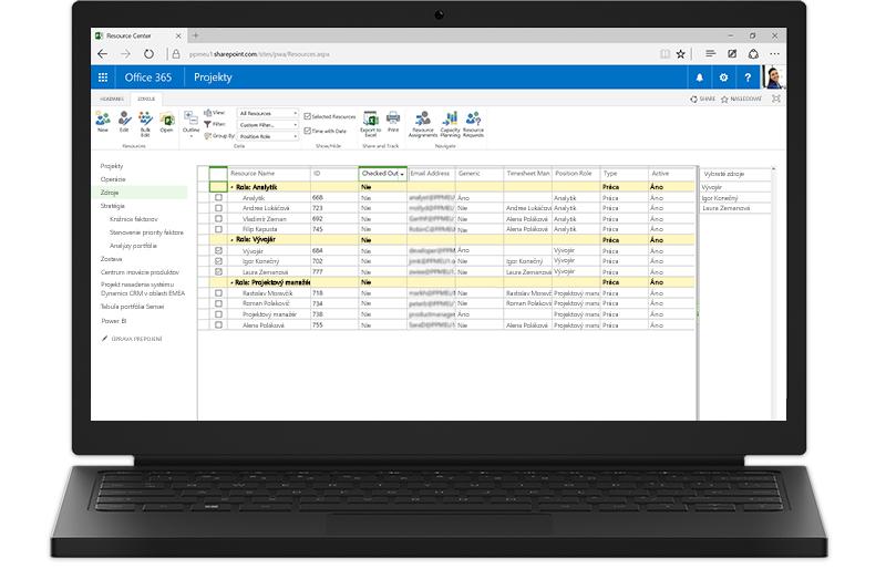 Prenosný počítač, na ktorom sú zobrazené funkcie Project Servera založené na SharePointe