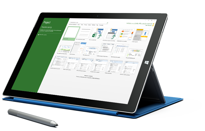 Tablet Microsoft Surface zobrazujúci obrazovku Nový projekt v Microsoft Projecte.