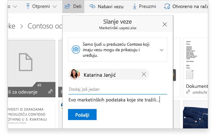 tablet prikazuje dvoje ljudi koji sarađuju na mreži na Word dokumentu