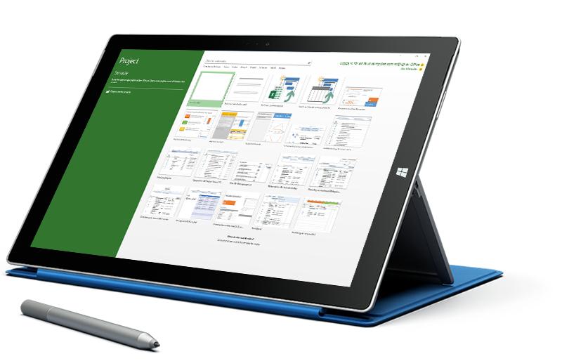 En Microsoft Surface-dator visar fönstret Nytt projekt i Microsoft Project.