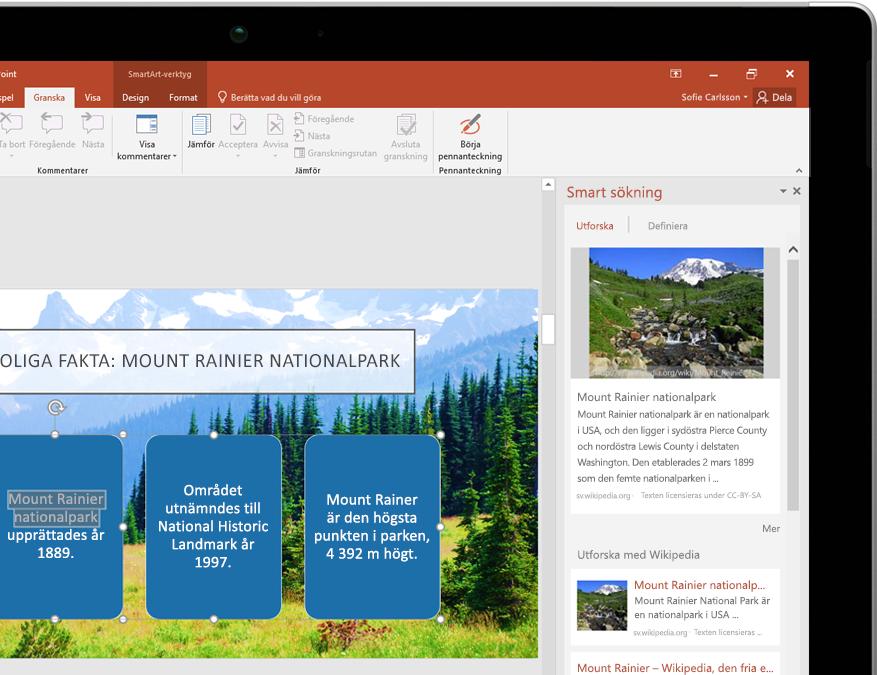 En surfplatta visar Smart sökning i PowerPoint