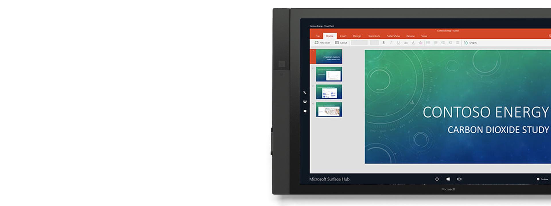 Microsoft PowerPoint visas på Surface Hub.
