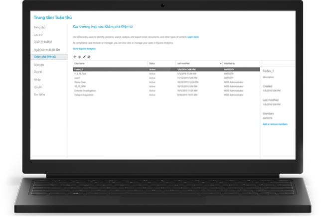 Một máy tính xách tay hiển thị các trường hợp Khám phá Điện tử của Office 365 trong Trung tâm tuân thủ
