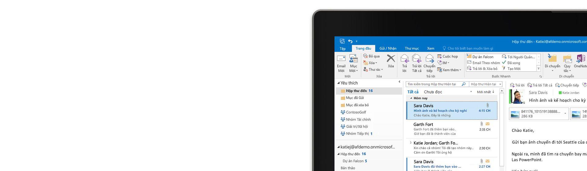 Một góc màn hình máy tính hiển thị hộp thư đến của email trong Outlook