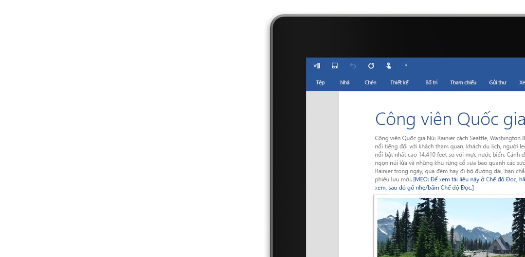 Máy tính xách tay hiển thị một tài liệu Word trên màn hình.