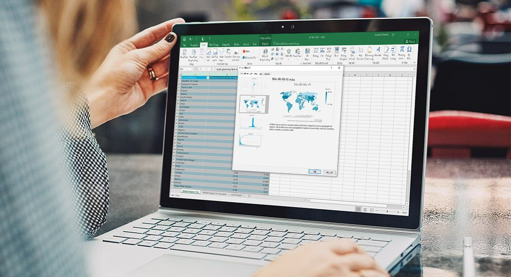 Một bản đồ trong Excel trên máy tính bảng Surface