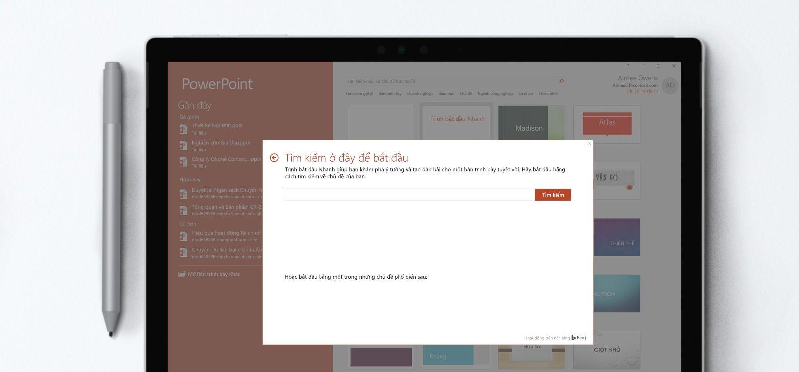 Màn hình máy tính bảng hiển thị tài liệu PowerPoint sử dụng tính năng Trình bắt đầu Nhanh