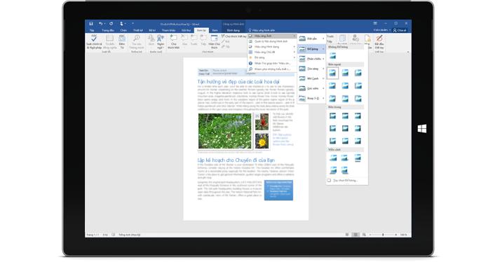 Một chiếc Surface hiển thị tính năng Cho Tôi Biết mới trong tài liệu Word.