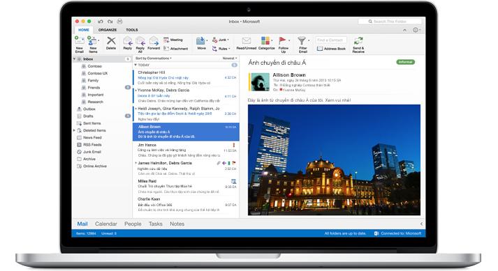 Một chiếc MacBook hiển thị hộp thư đến trong Outlook for Mac.