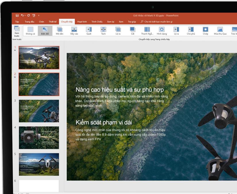 Stylus đặt cạnh máy tính bảng đang hiển thị bản trình bày trong Microsoft PowerPoint