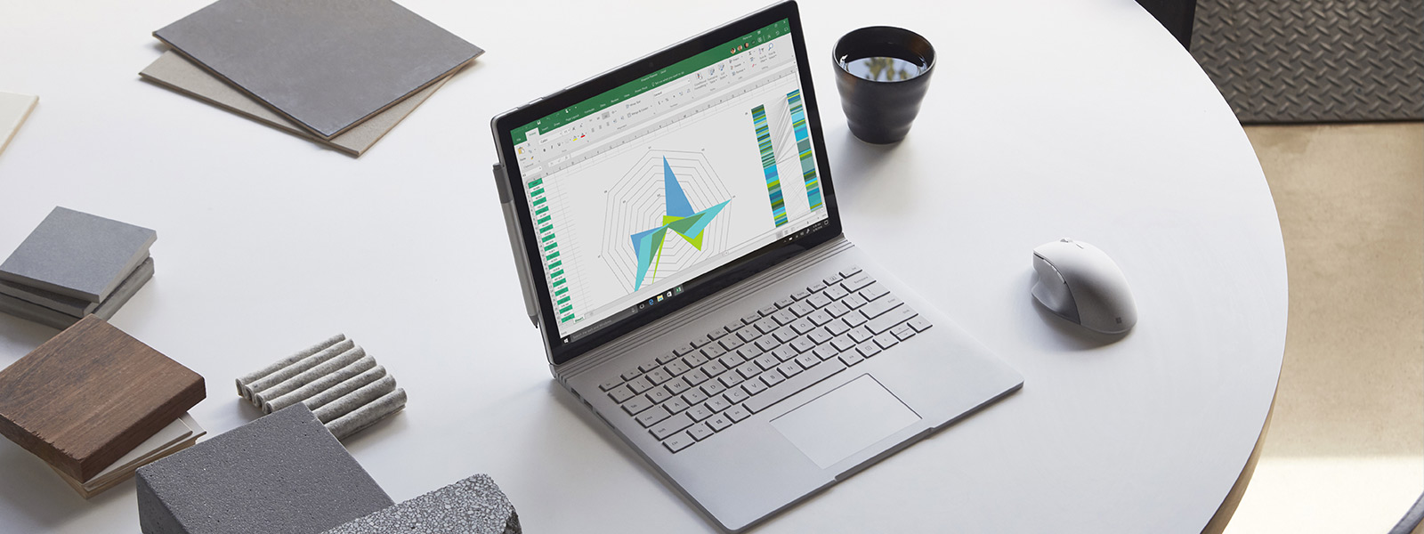Surface Book 2 上的 Excel