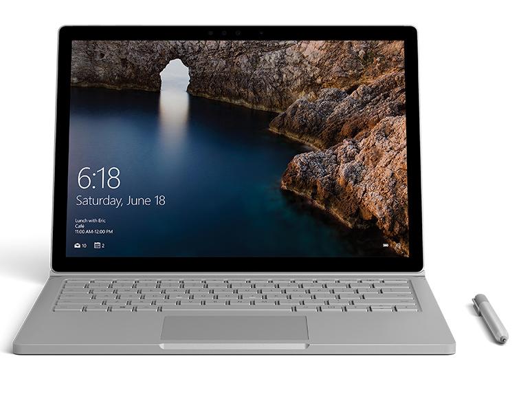 正面朝前的 Surface Book,显示的图像是在 Photoshop 中打开的冰山