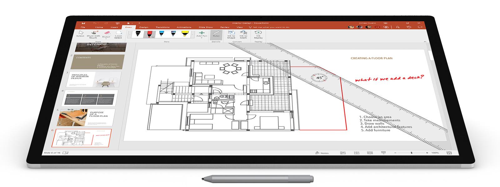 包含 Surface 触控笔、注释和屏幕标尺的设计建筑平面图的屏幕截图