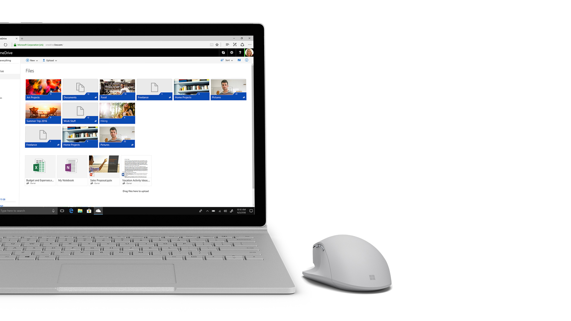 Surface 显示 OneDrive 屏幕截图。