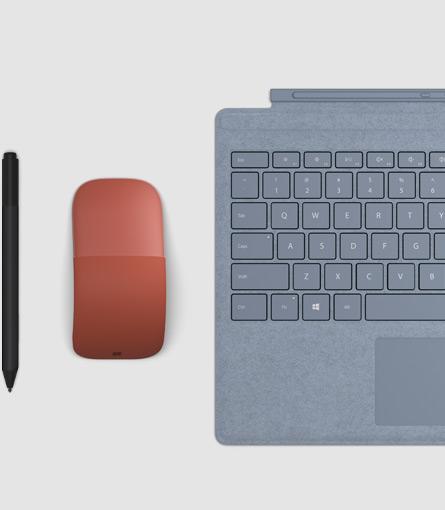 Surface 触控笔、Surface 签字版键盘保护套和 Surface 弧形鼠标