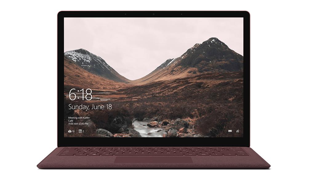 带 Alcantara® 键盘的 Surface Laptop。