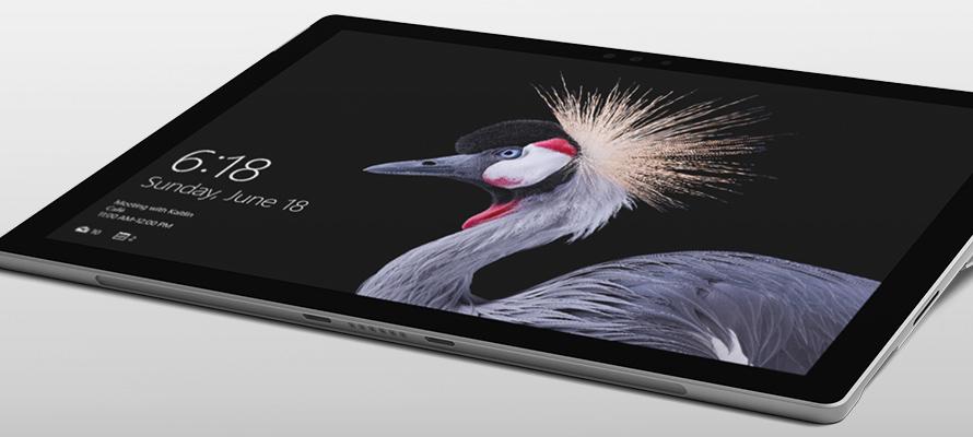 Surface Pro 採用工作室模式,並且有人在膝上型電腦模式的 Surface Pro 上使用觸控式螢幕